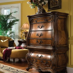 Michael Amini Palais Royale Gentleman's Chest