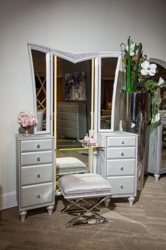 Melrose Plaza Vanity & Mirror